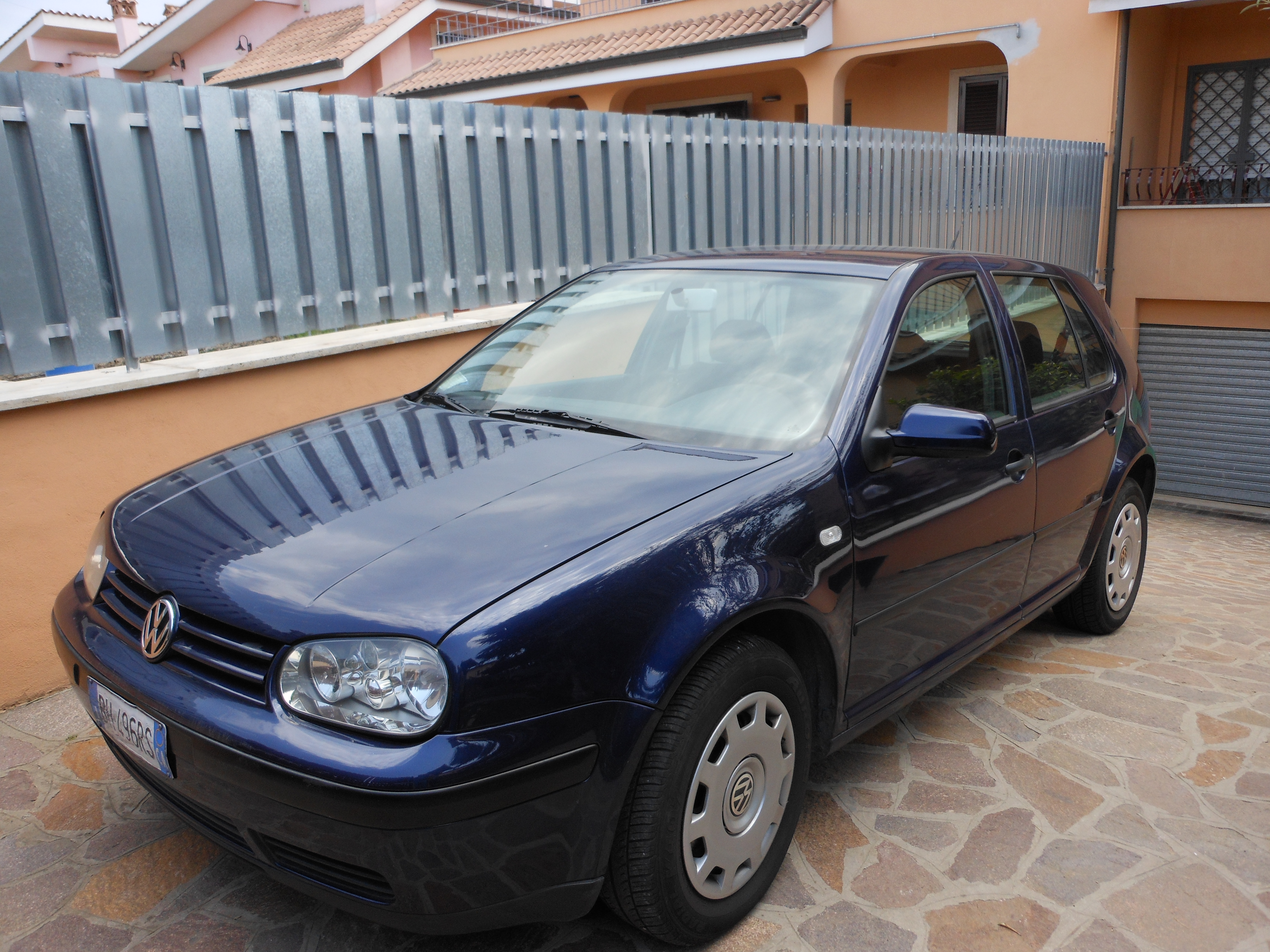 VOLKSWAGEN Golf -  -